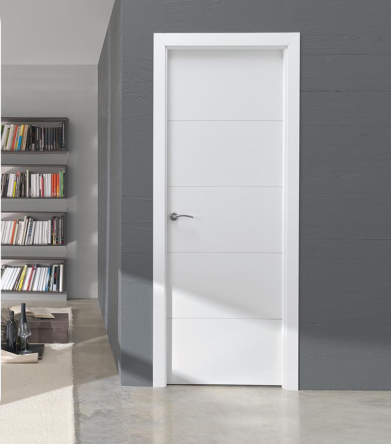 puerta abatible lacada