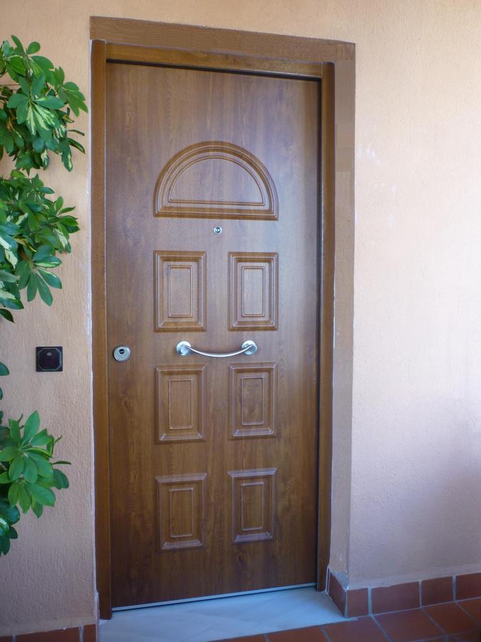 Puerta acorazada de exterior