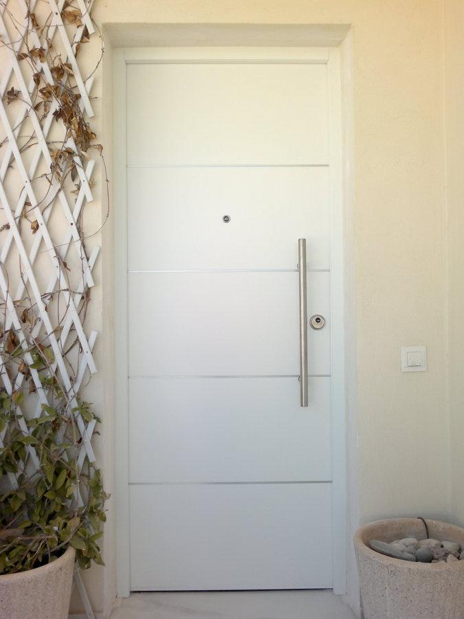 Foto puerta acorazada de exterior de maderas crisang s l 664700 habitissimo - Puertas exterior asturias ...