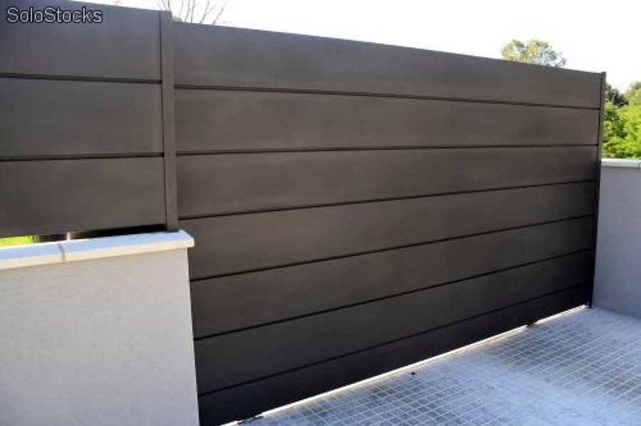 Foto puerta corredera de chapa plegada de electrogate - Puertas abatibles garaje ...