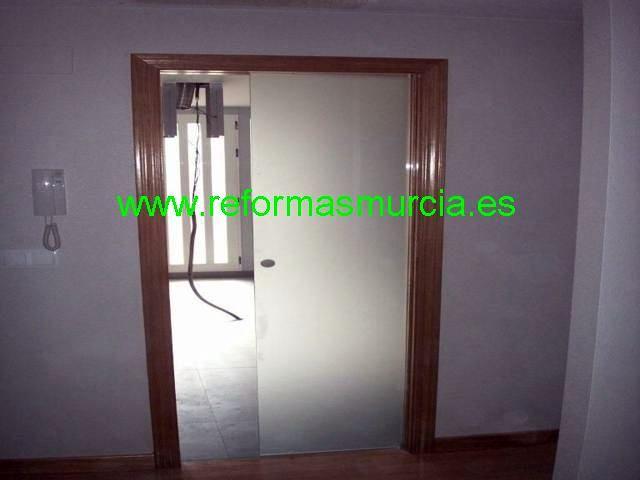 Foto puerta corredera oculta de reformasmurcia 225812 - Puertas correderas ocultas ...