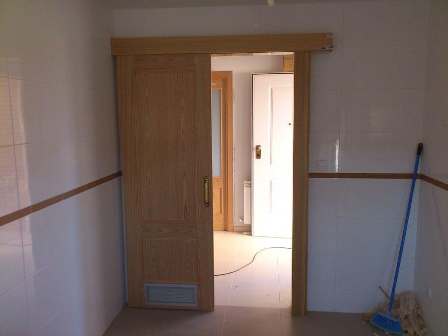 17 hermoso puerta corredera para cocina im genes unas - Puertas corredizas banos ...