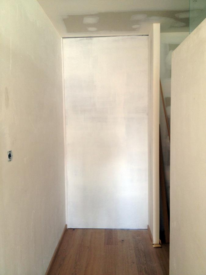 Foto puerta corredera suelo techo de cuines del maresme - Puertas hasta el techo ...