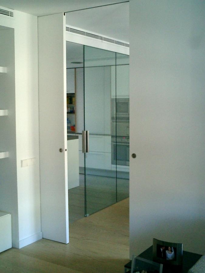 Puerta corredera guia exterior ambiente del kit gua para - Guia puerta corredera ...