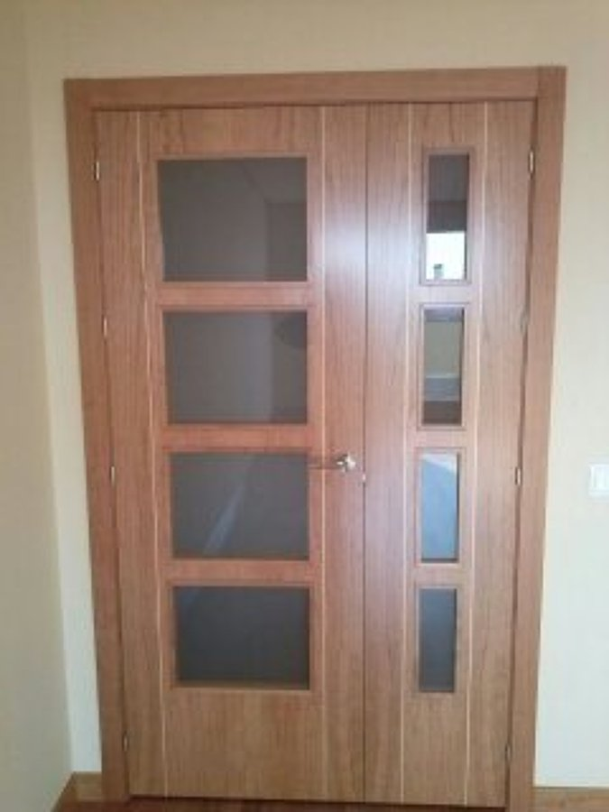 Foto puerta cristalera 2 hojas de puertas y armarios for Cristales antiguos para puertas
