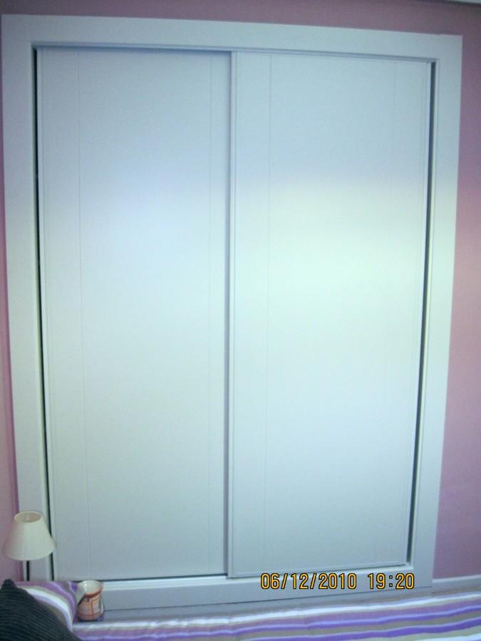 Puerta de armario lacada