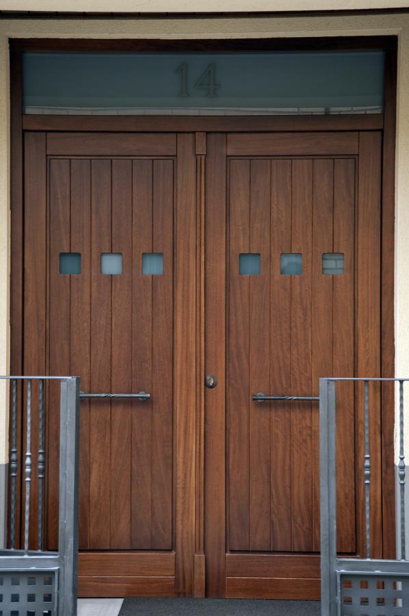 Foto puerta de calle de carpinter a jos rutia s l - Puertas de calle ...