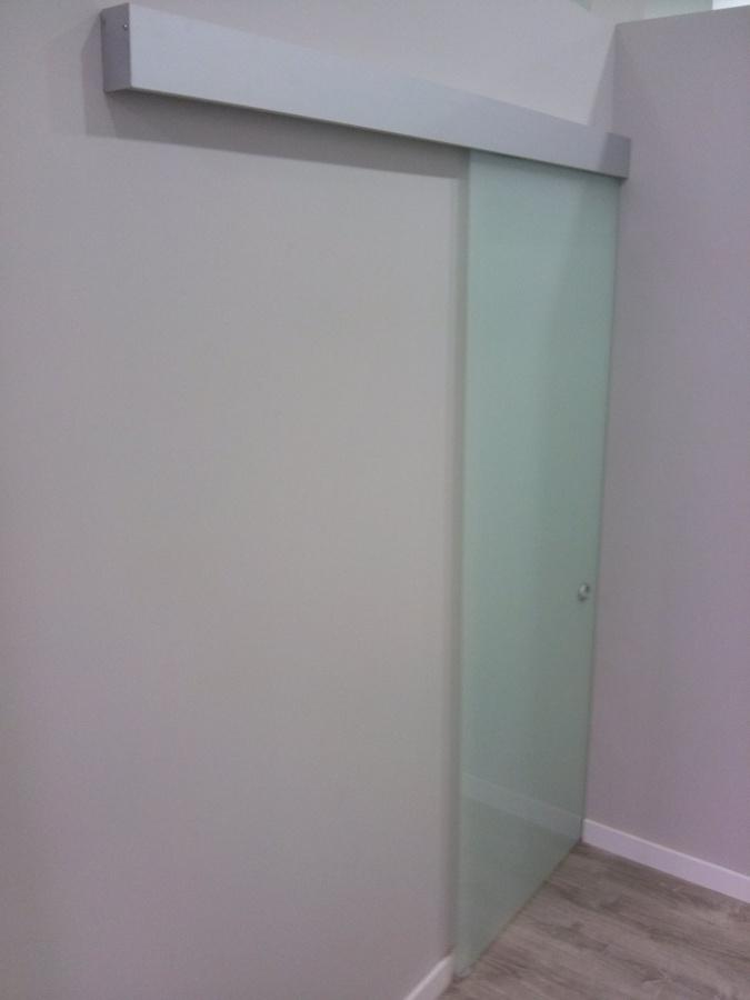 foto mecanismo para puertas correderas de cristaleria