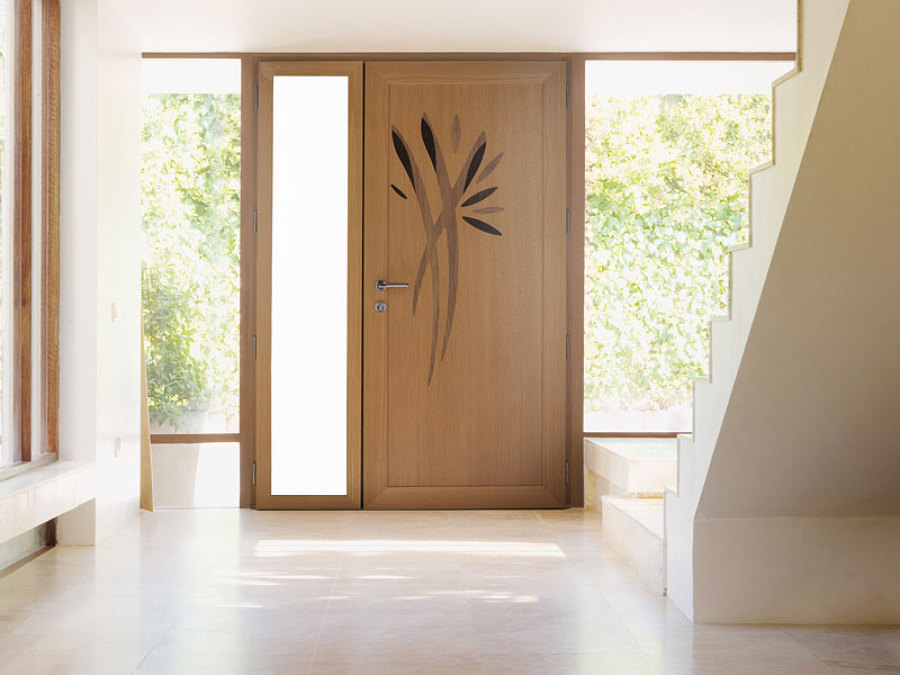 Foto puerta de entrada mixta aluminio madera de for Puerta entrada aluminio