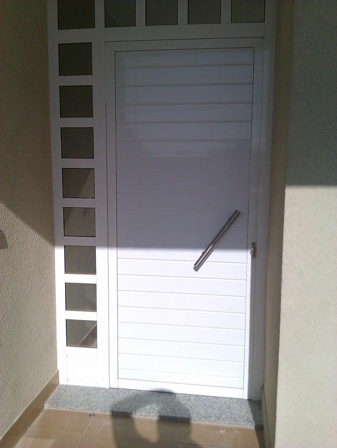 Pin puertas de entrada principal de herreria dise o de - Puertas de aluminio para entrada principal ...
