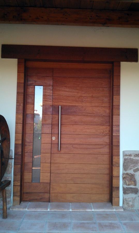 Foto puerta de entrada de grupo forestia 360 334292 for Puertas en madera entrada principal
