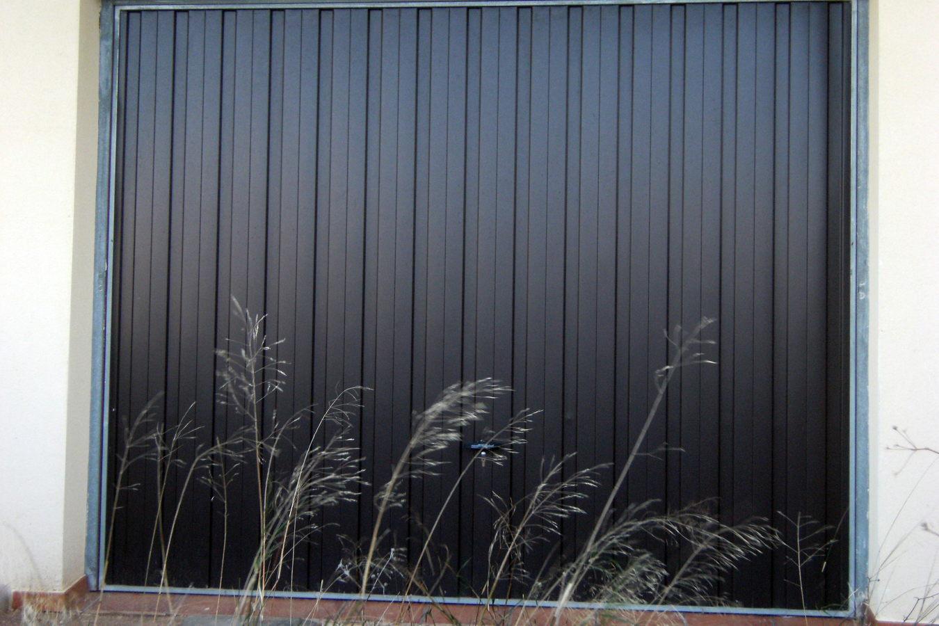 Foto puerta de garaje de al cris castellon cb 211666 for Garaje castellon