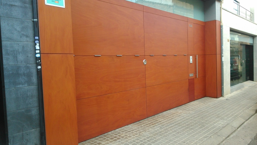 Foto puerta de garaje de ebanisteria mendia 675963 - Puertas de garaje murcia ...