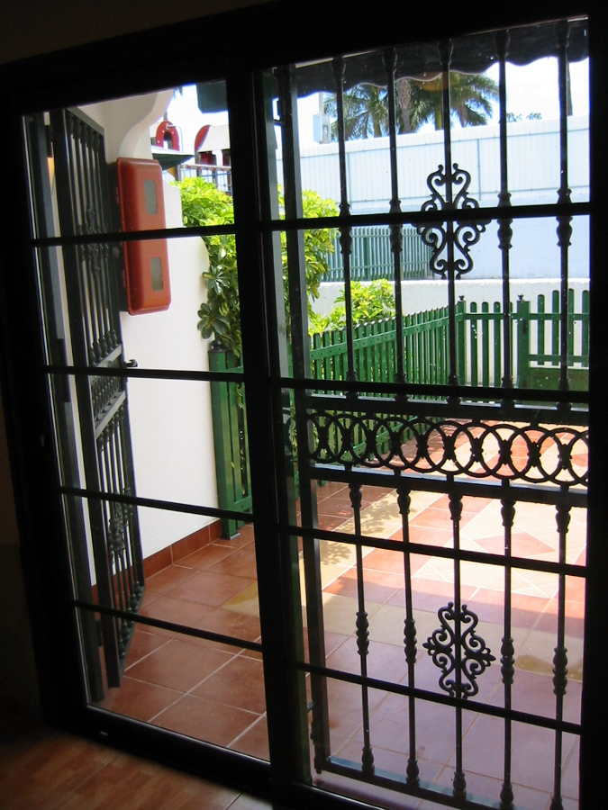Foto puerta de hierro forjado de anatoliy zborchok for Puertas decorativas para interiores