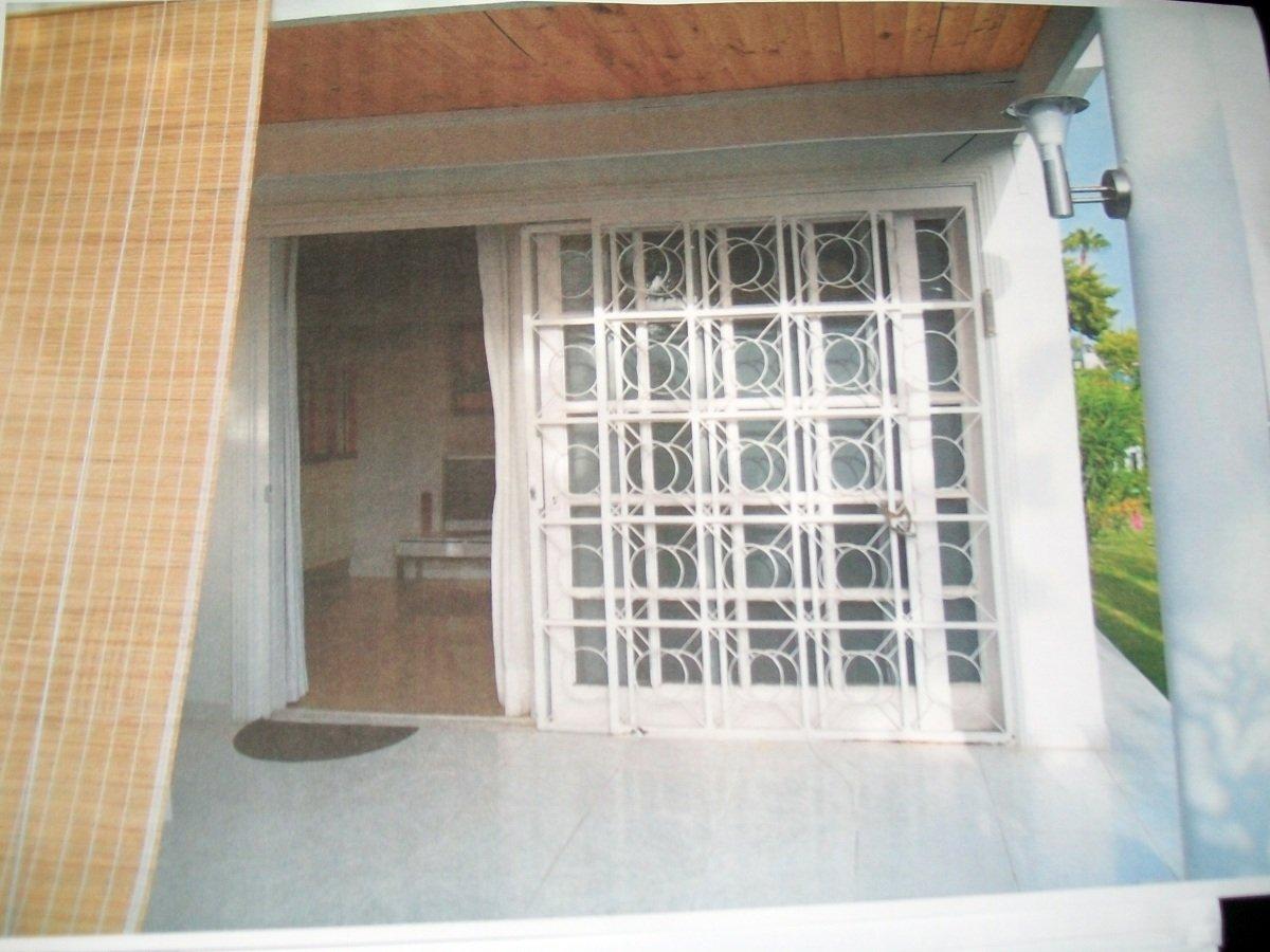 Foto puerta de terraza de jonathan alonso abrante 144631 for Puertas para terrazas