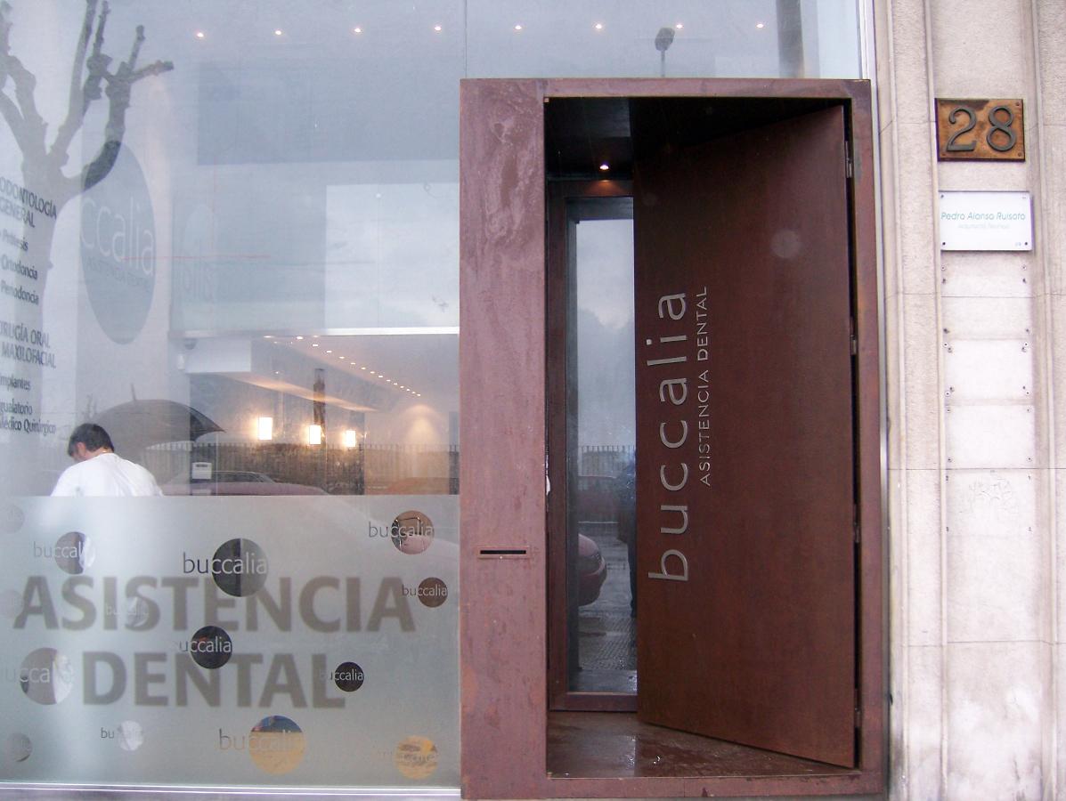 puerta en acero corten