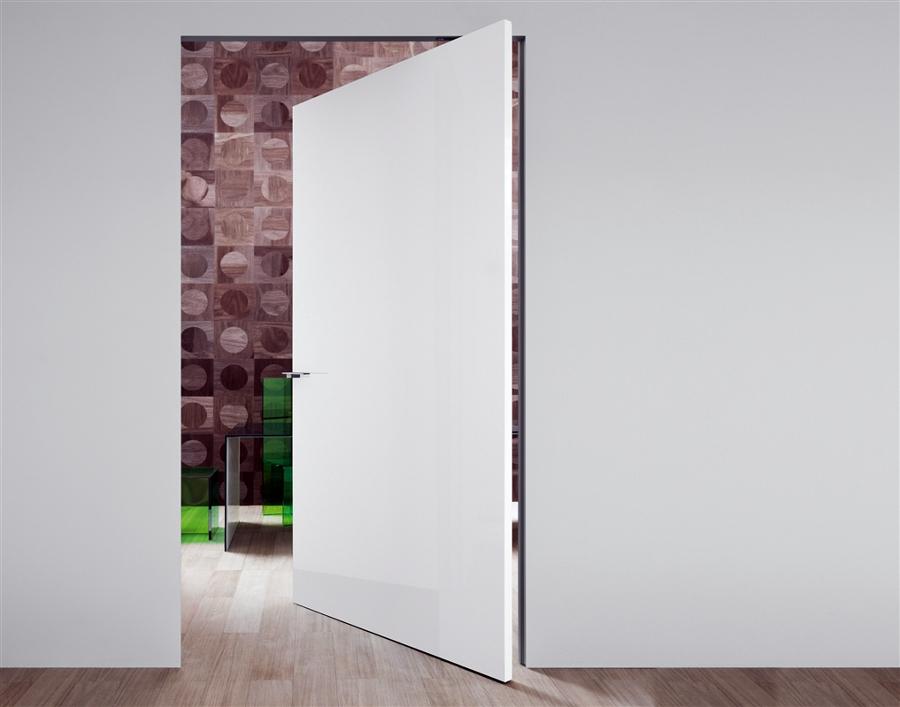 Puerta enrasada a pared gran formato