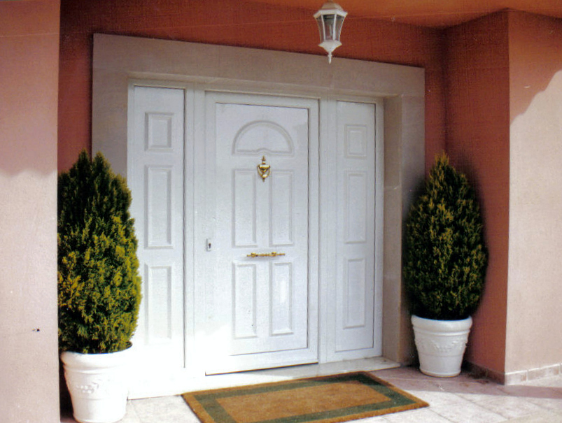 Foto puerta entrada pvc sch co de alumihogar 257758 for Puertas de entrada de pvc