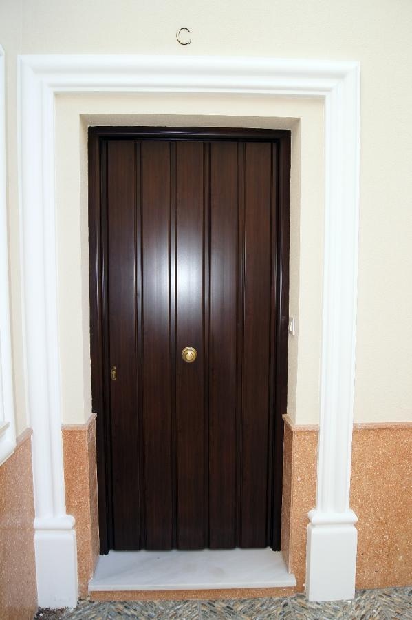 foto puerta entrada vivienda de 335216