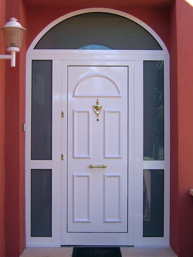 Foto puerta entrada de marsan multiserveis 209079 for Puerta entrada aluminio