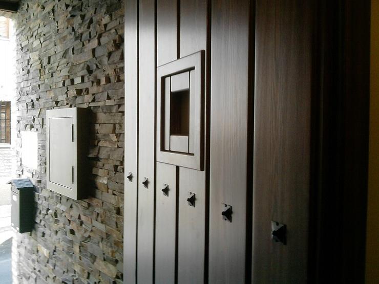 Foto puerta exterior r stica de carpinter a jos rutia s - Puerta rustica exterior ...