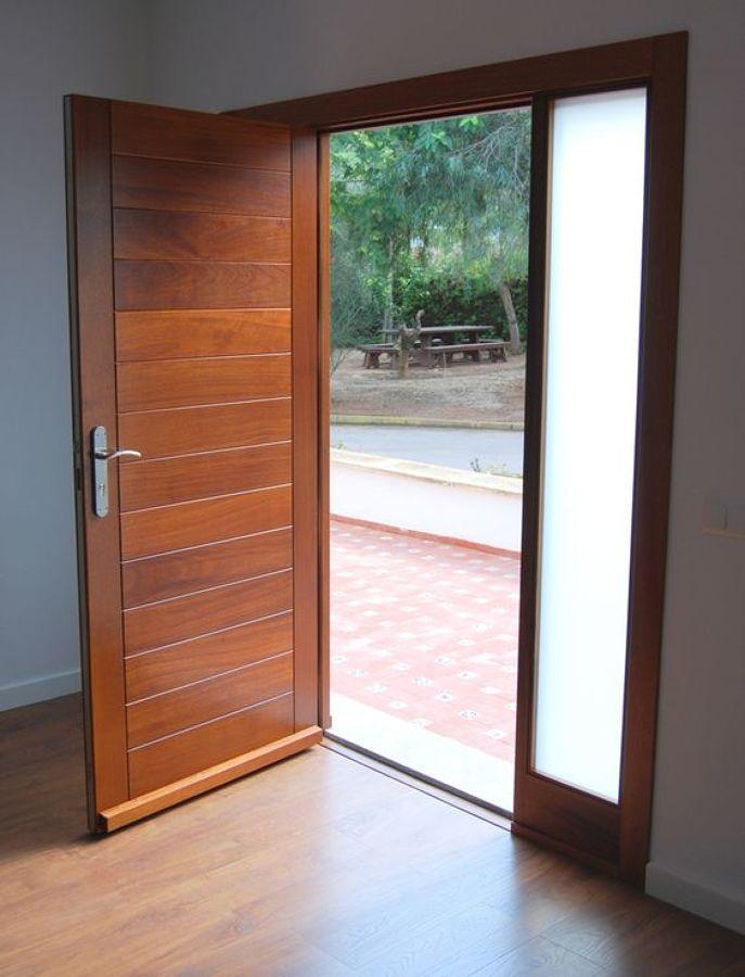 puerta de entrada a medida con fijo lateral