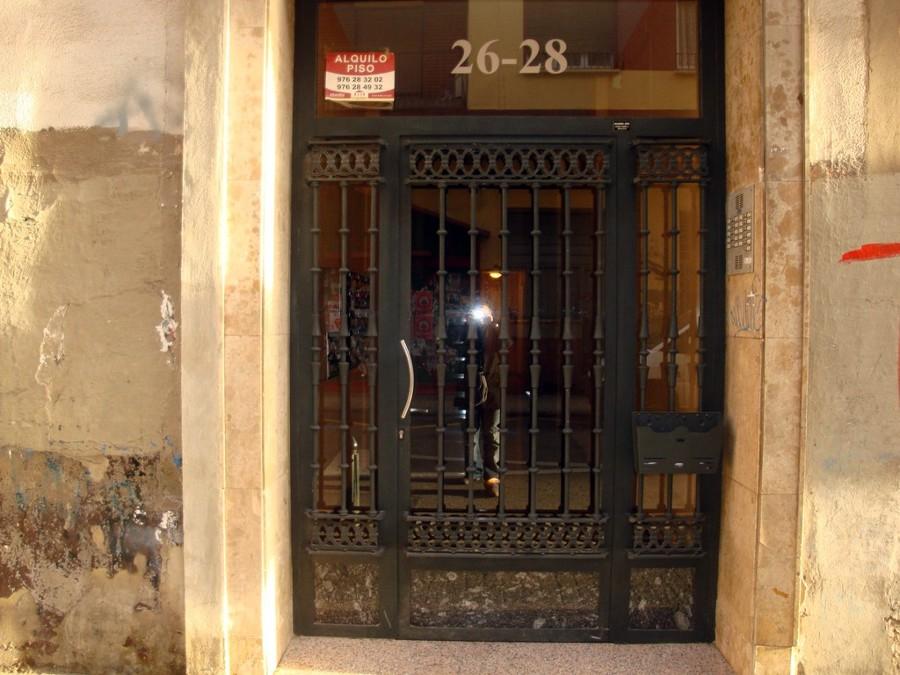 Puerta fachada