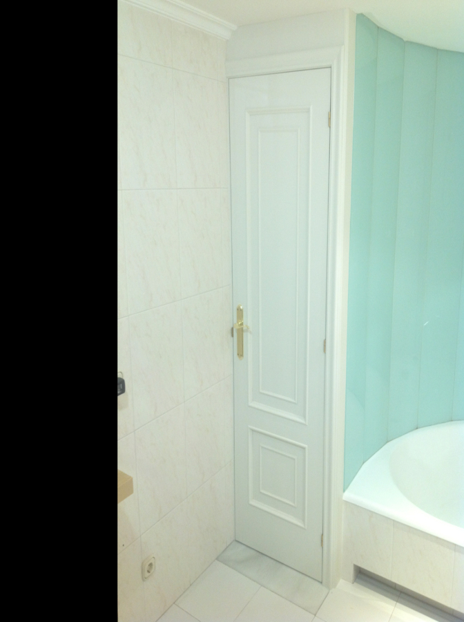 Foto puerta lacada en 9001 blanco roto de carpinter a - Puerta lacada en blanco ...