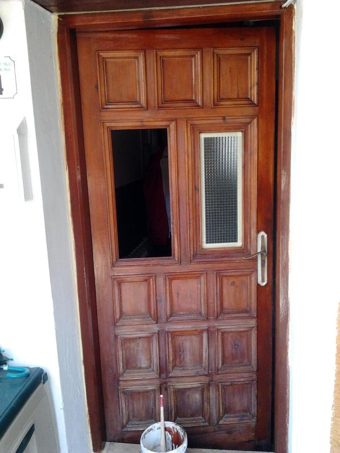 Foto puerta madera lijada de pinturas tandem 439811 - Pintura puertas madera ...