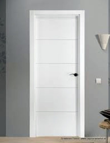 foto puerta mdl 4 rayas lacada en blanco de hnos a