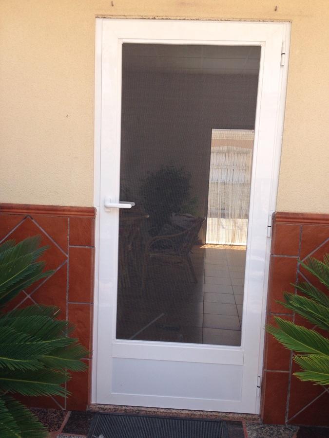 Foto Puerta Mosquitera De Aluminios Flores 709037