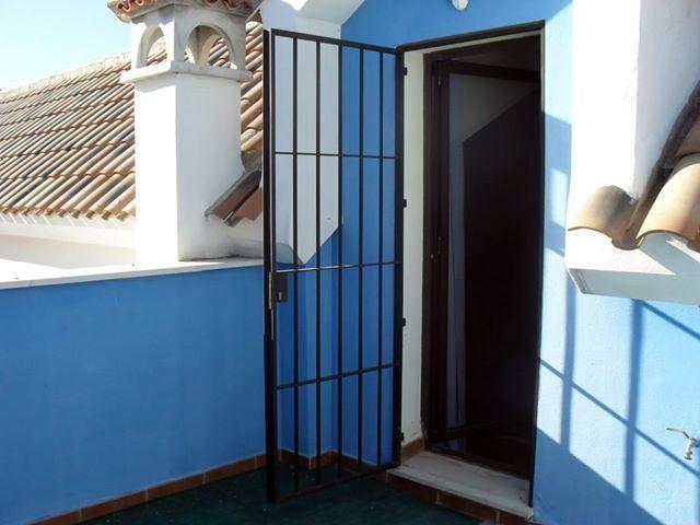 Foto Puerta Reja Terraza De Ruda Carpinter A Met Lica Y