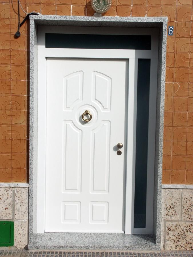 Puertas acorazadas malaga stunning propiedades de las - Puertas blindadas sevilla ...