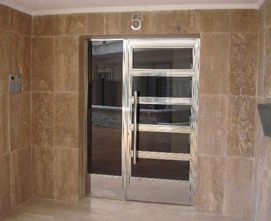 Foto puertas de acero inoxidable de forpi sl 556071 for Puertas de acero inoxidable