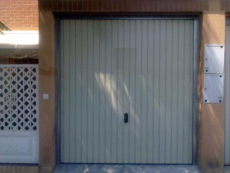 Foto puertas de garaje de metalicas anugar s c 154222 - Puertas de garaje murcia ...