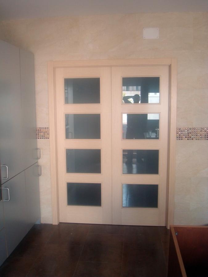 Foto puertas de interior en roble decap de armack for Precio puerta roble