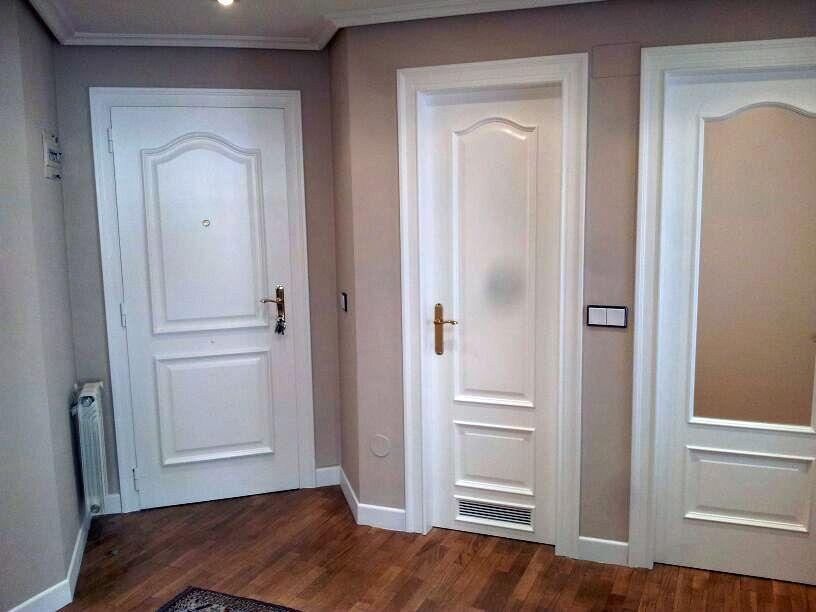 Foto puertas de roble lacadas de barnizados venastur - Puertas blancas lacadas o pintadas ...