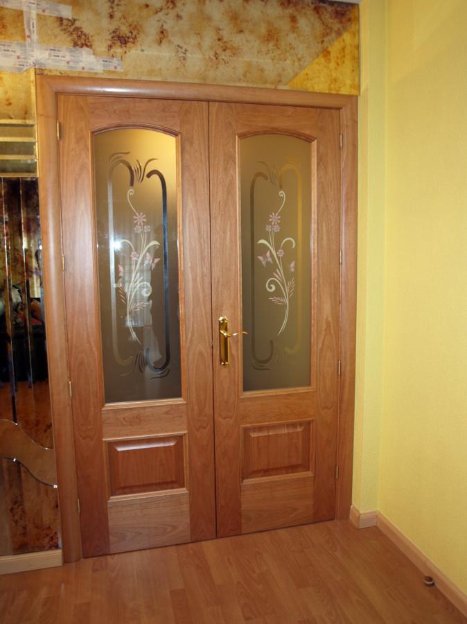 Foto puertas dobles macizas y tarima ac4 inst por artama for Puertas dobles de madera