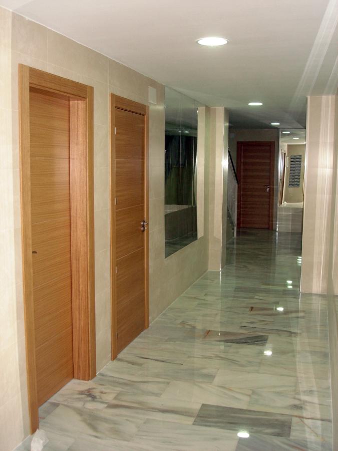 Foto puertas en roble de puertas nobles andaluzas s c - Puertas de roble ...