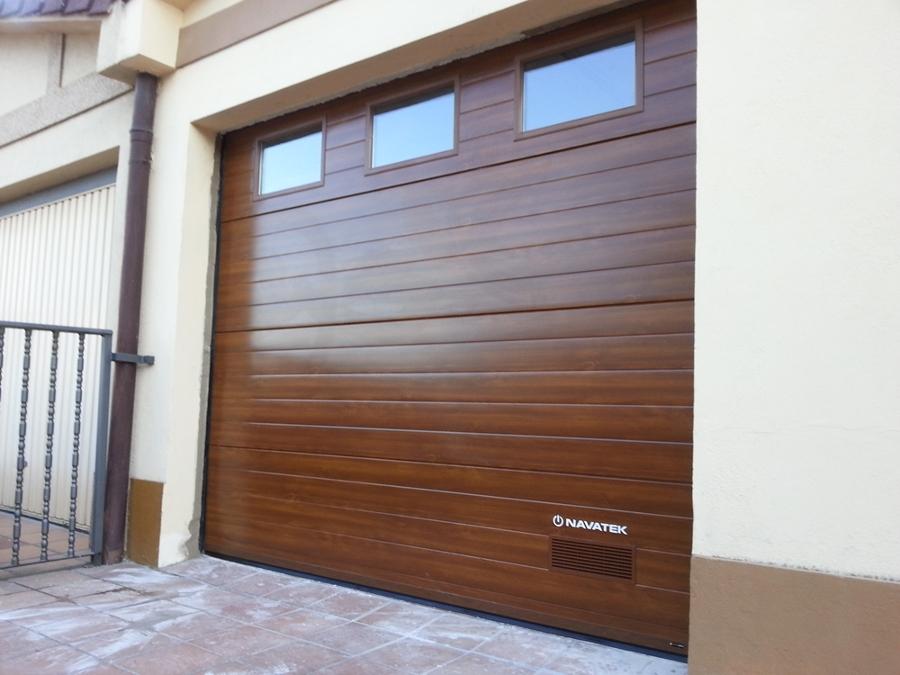 Foto puertas garaje navarra de navatek puertas - Puertas de garaje murcia ...