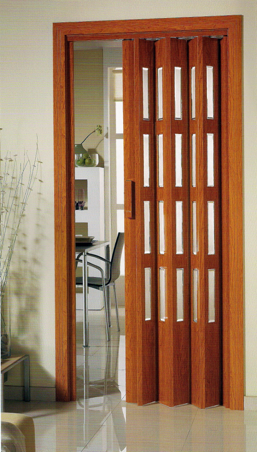 Foto puertas plegables de persianas hija de a campos s for Puertas plegadizas de madera