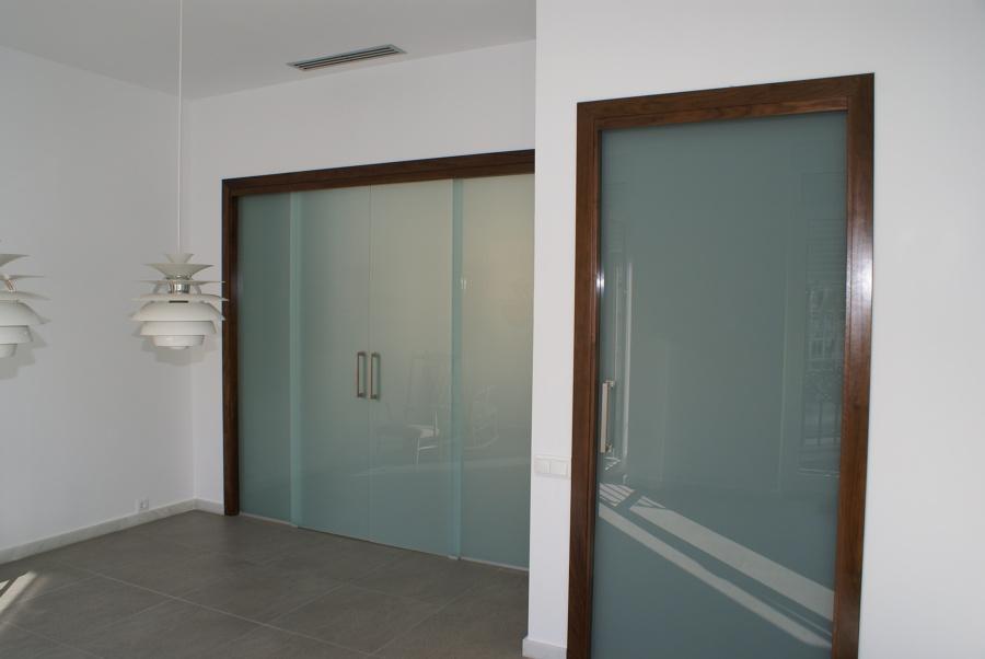 foto puertas salon en cristal fijo y corredera de