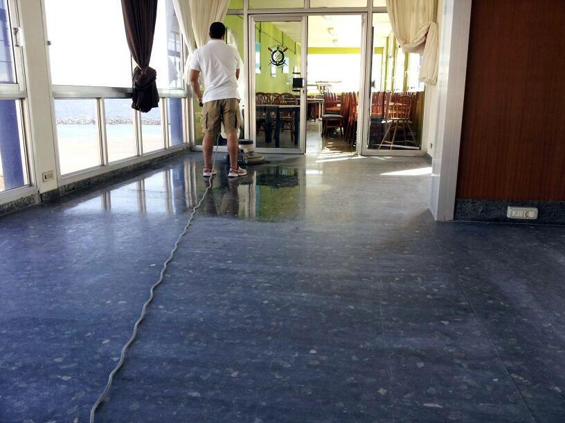 Foto pulido abrillantado y cristalizado de suelo de - Suelo de cemento pulido precio ...