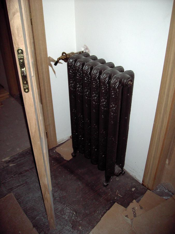 Foto radiador roca modelo epoca de instalaciones navarro for Radiadores roca modelos