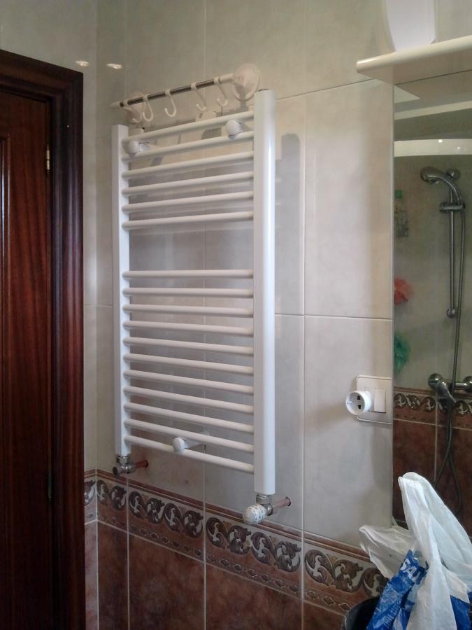 Radiador toallero en Baño..jpg