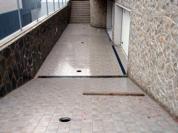 Foto rampa realizada con ceramica antideslizante de - Rampas de garaje ...