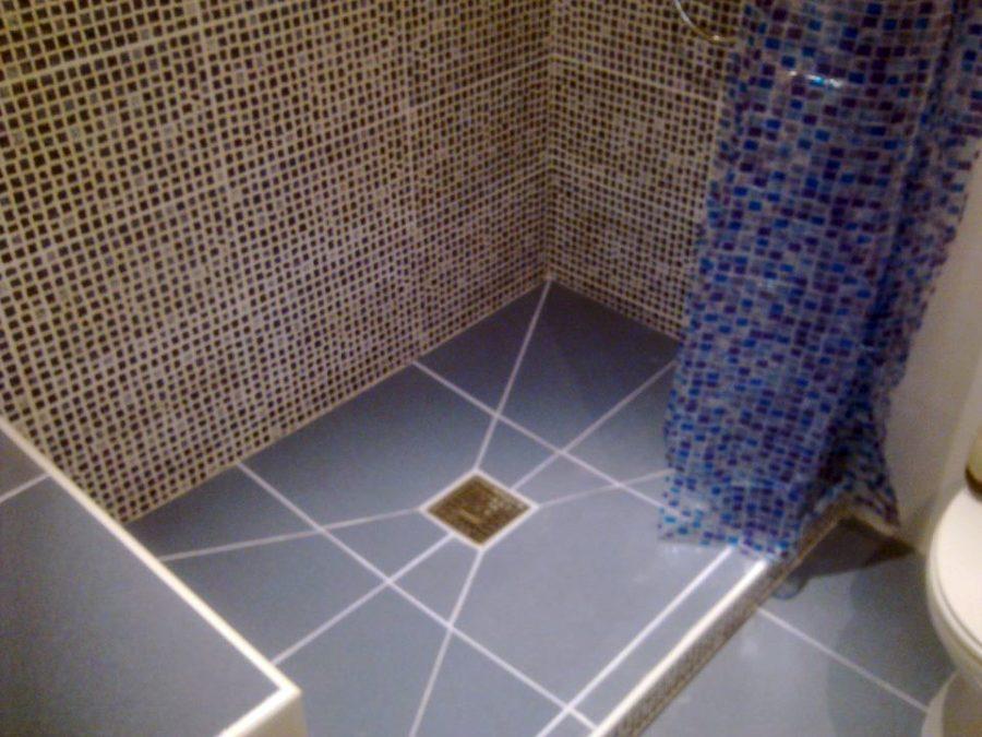Duchas de obra modernas finest una vivienda de estilo for Fotos de cuartos de bano con ducha modernos