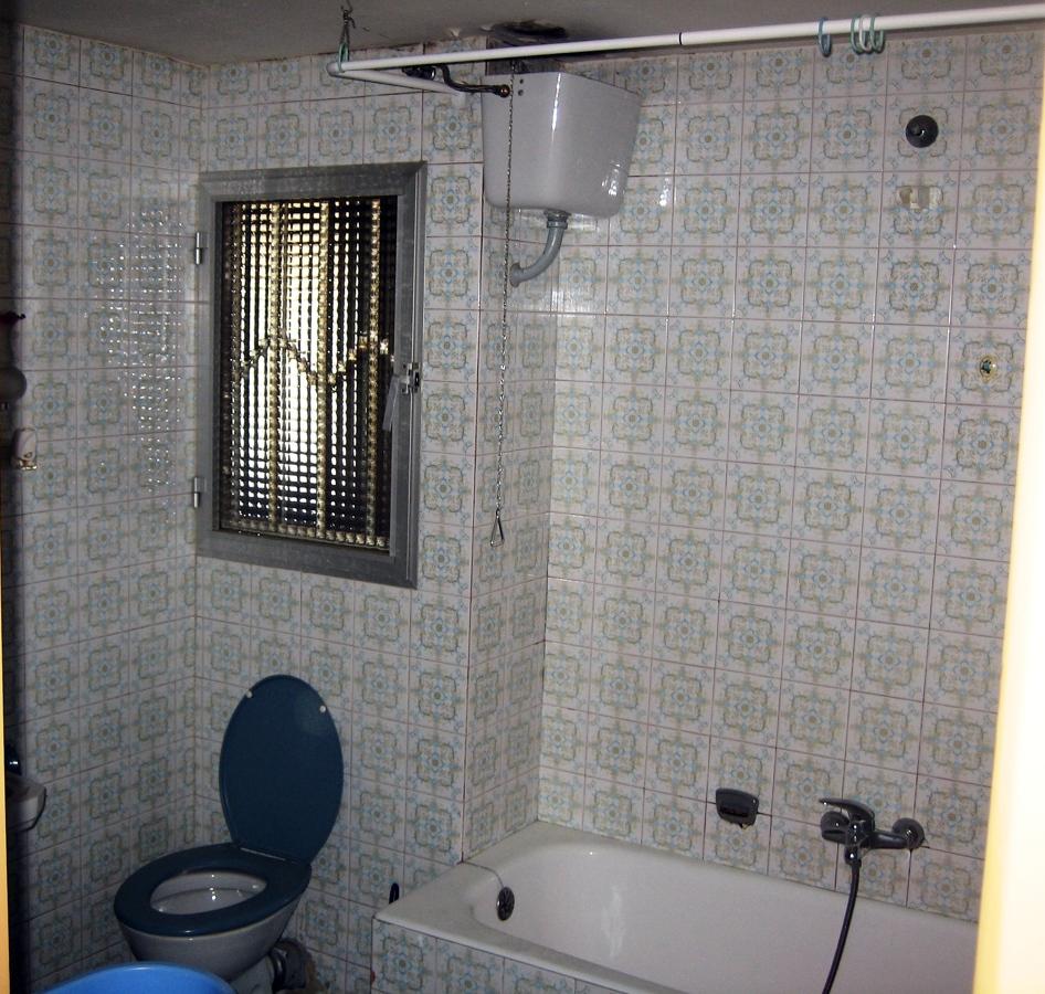 Reformas Baños Huelva:Se realizó la nueva instalación de fontanería cambiando la bañera