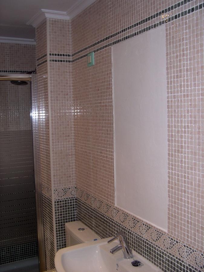 Reforma Baño En Gijon:Foto: Reforma de Baño y Zona para Encastrar un Espejo de