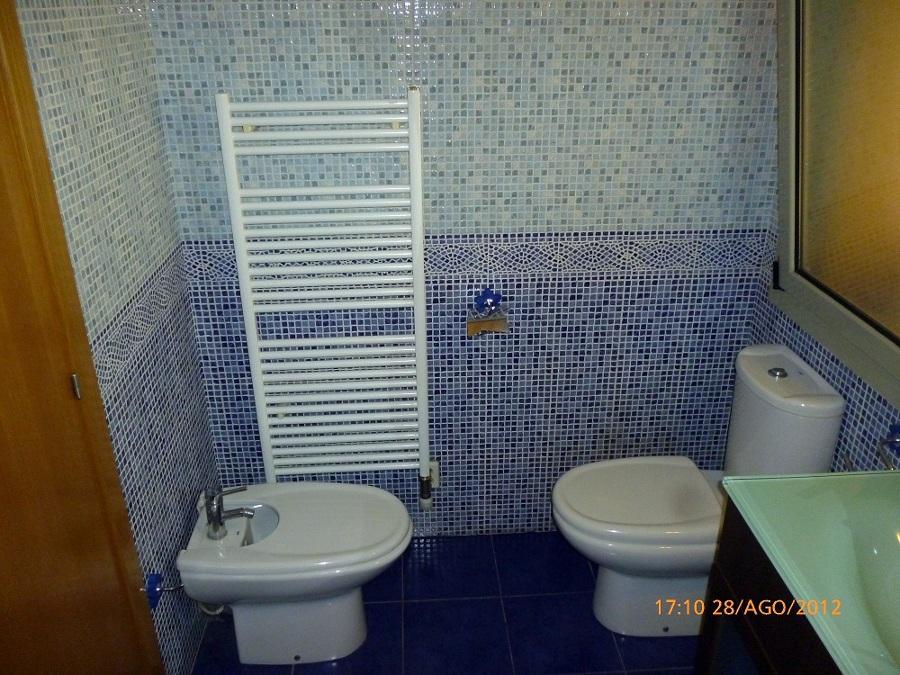 Reforma Baño Navarra:Deshacer baño antiguo, reforma de baño completo, con ceramica de